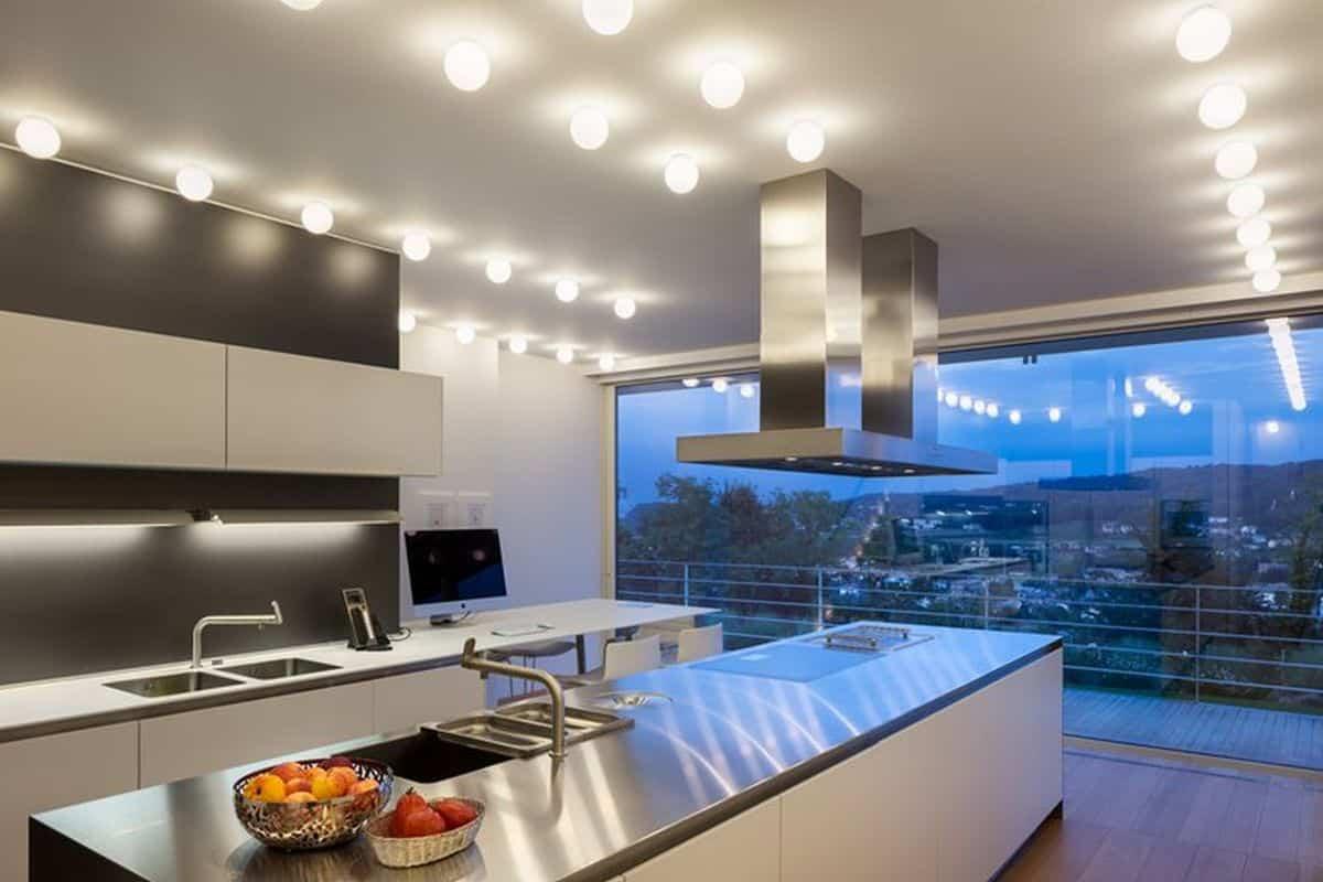 residencia moderna en Montebelluna cocina sencilla y minimalista