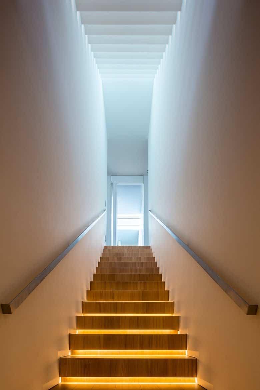 residencia moderna en Montebelluna - escaleras segunda planta