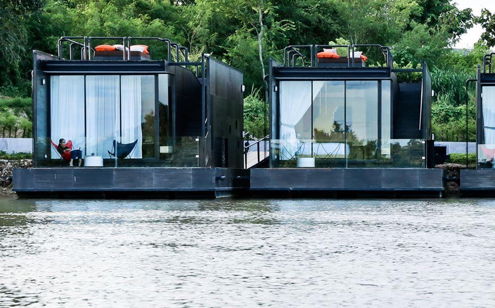 resort flotante sobre el río Kwai - vistas impresionantes de la zona