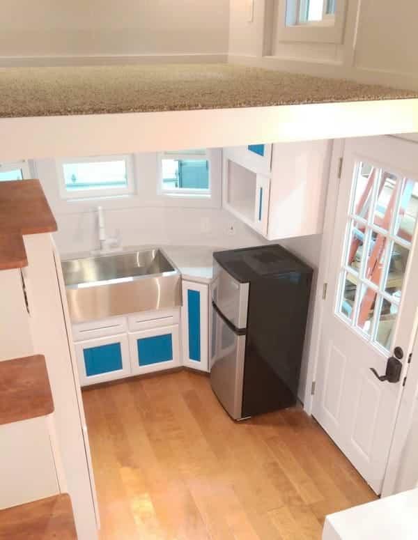 tiny house estilo victoriano espacio para el dormitorio