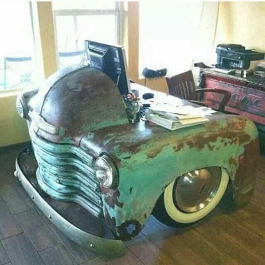 vieja camioneta para decorar la casa - mesa de esritorio