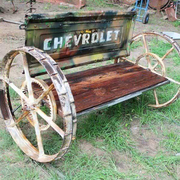 vieja camioneta para decorar la casa - banco para el jardín