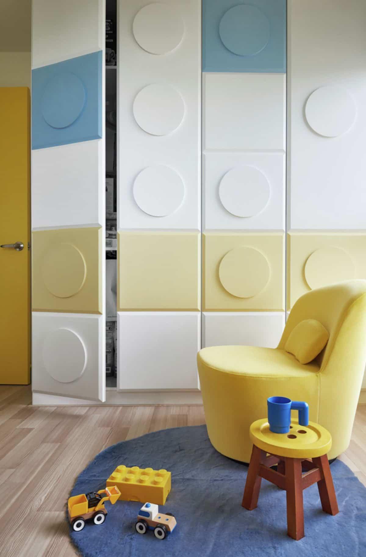 Apartamento inspirado en las piezas de Lego - piezas por todas partes