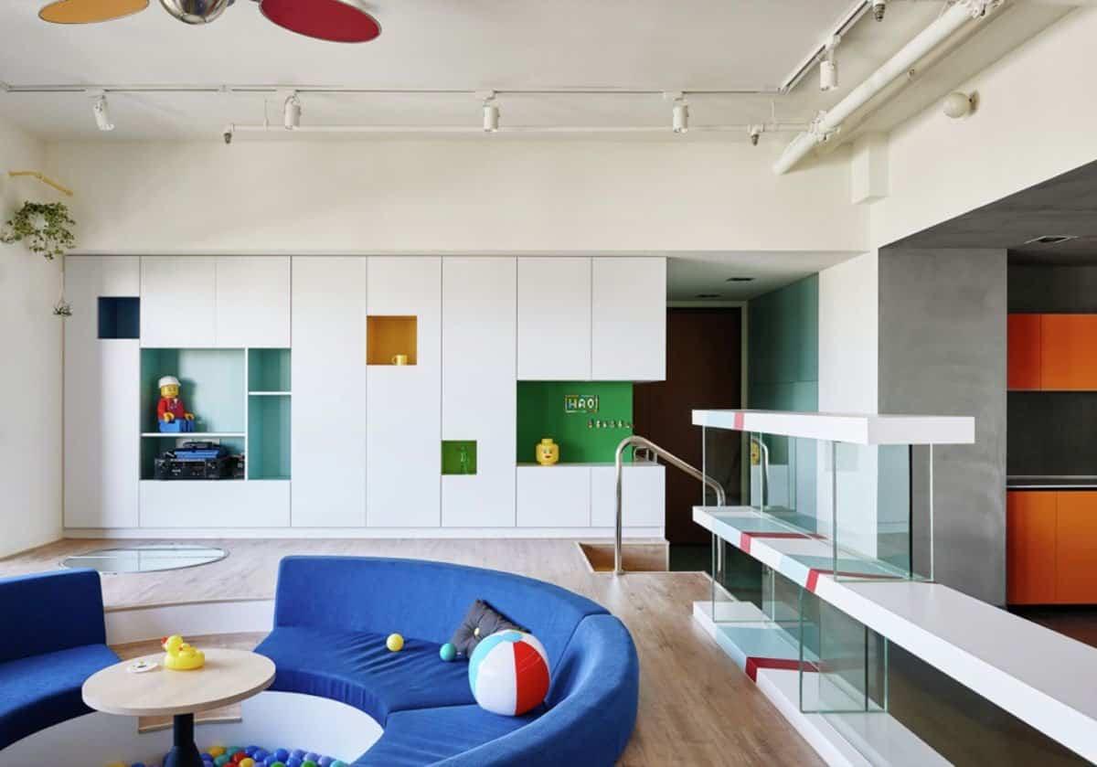 Apartamento inspirado en las piezas de Lego - piscina recreativa