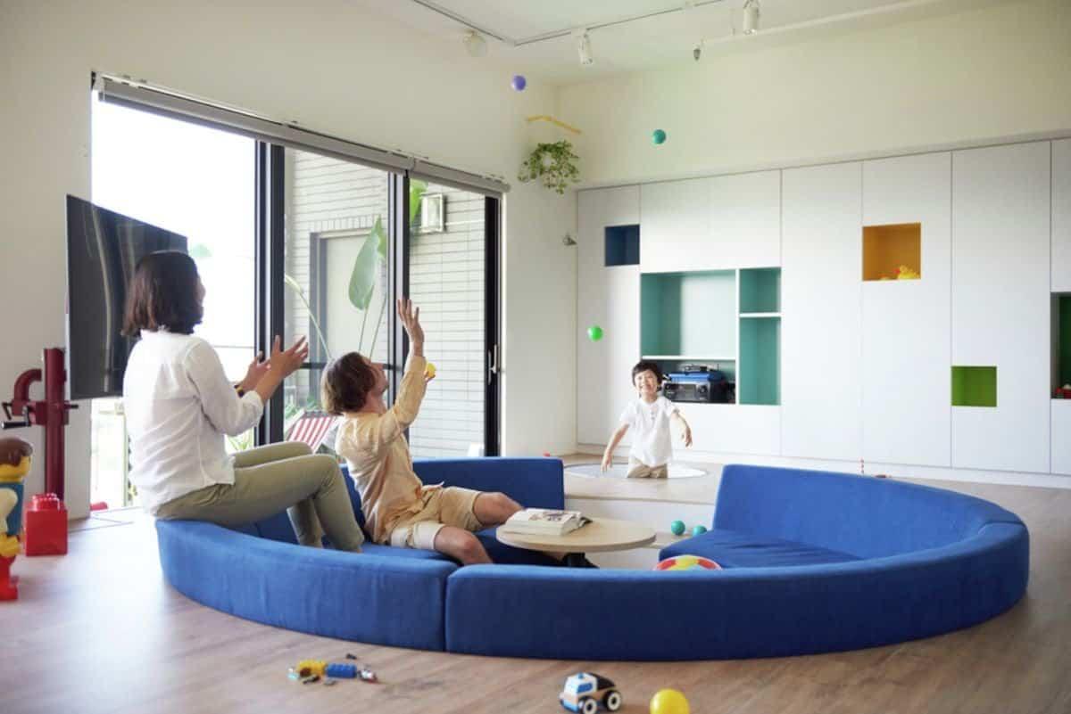 Apartamento inspirado en las piezas de Lego - zona lúdica a diferente altura