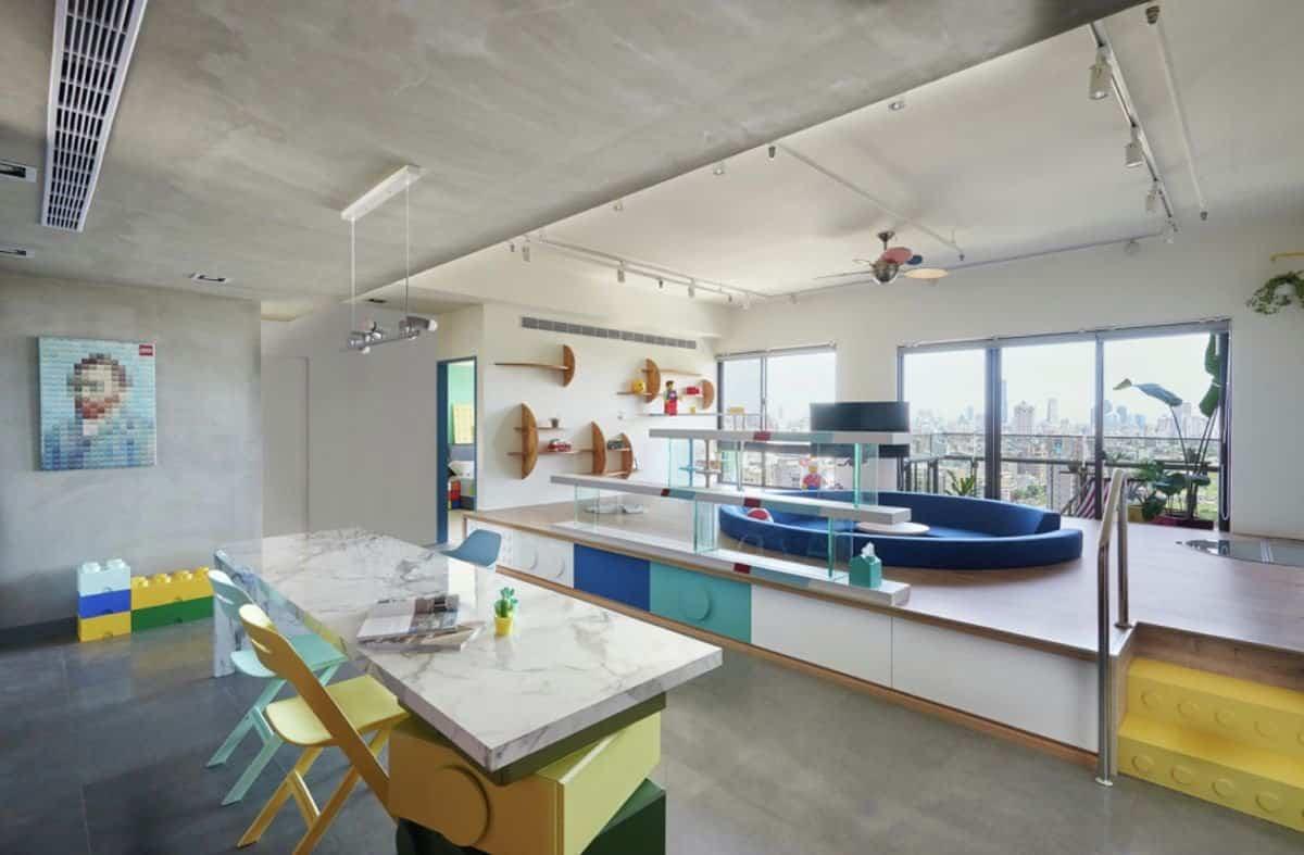 Apartamento inspirado en las piezas de Lego - separador de ambientes