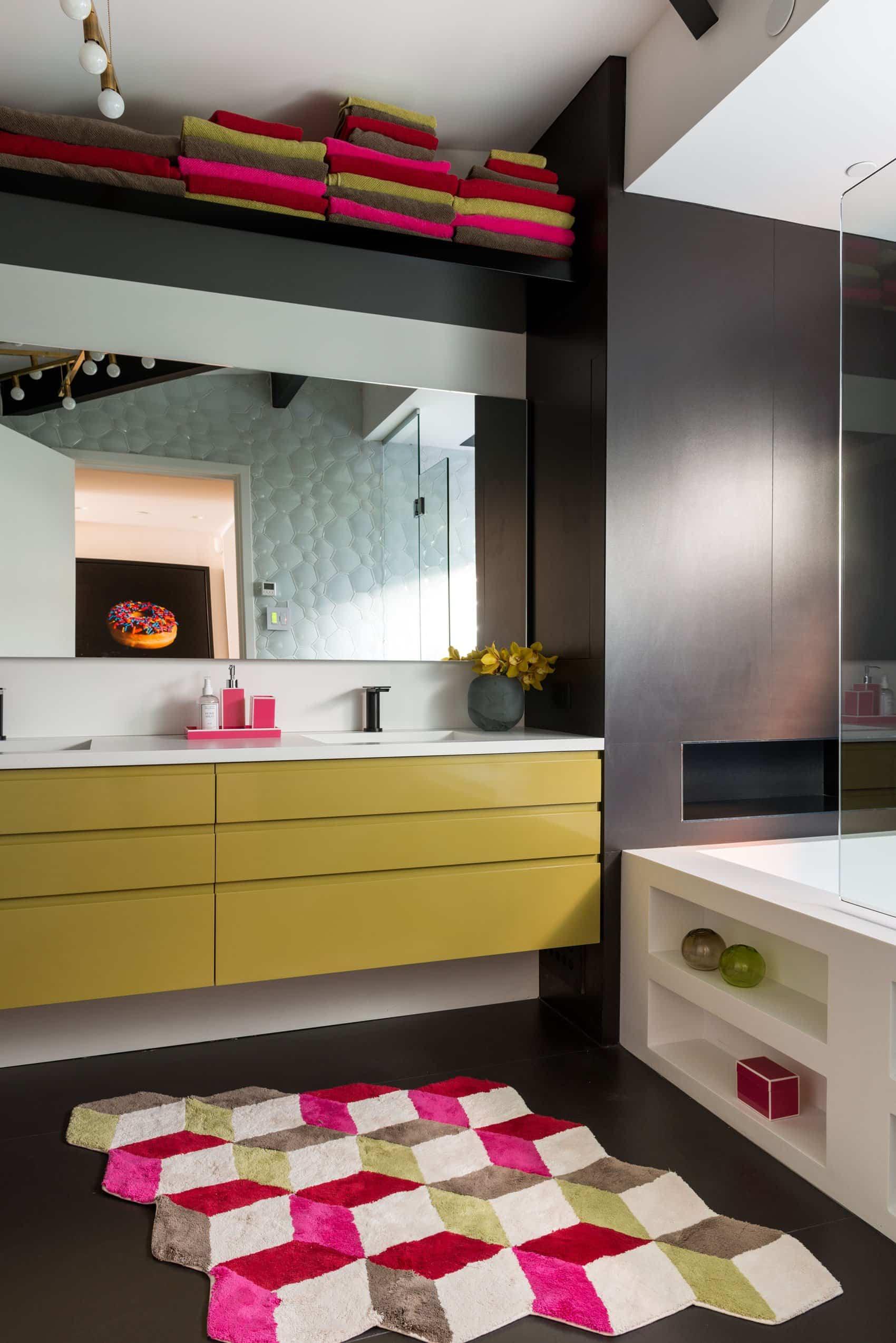 Residencia familiar - baños diseño moderno