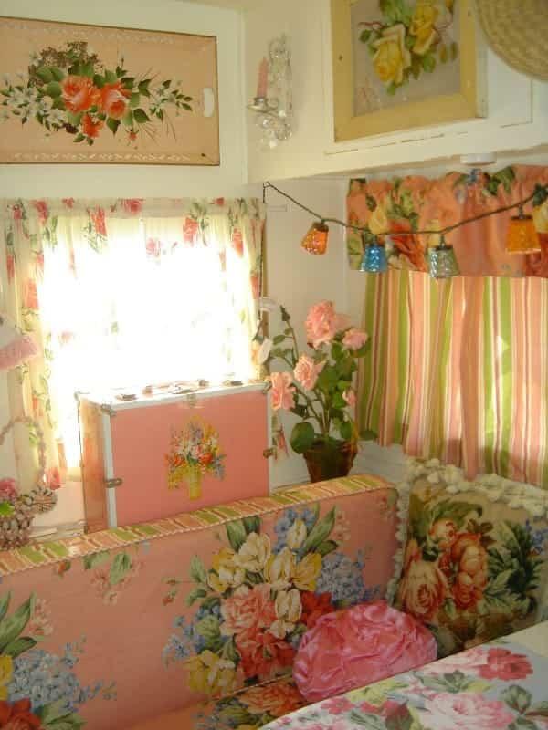 casa con ruedas vintage - decoración floral