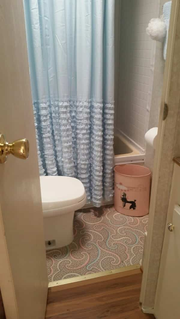 casa con ruedas vintage - baño