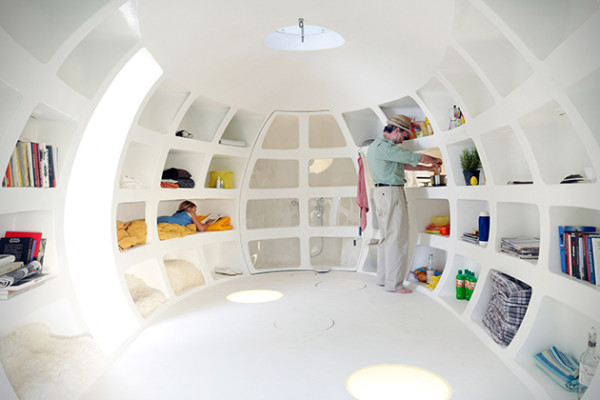 casa pequeña con forma de huevo gigante - 20 metros cuadrados de espacio