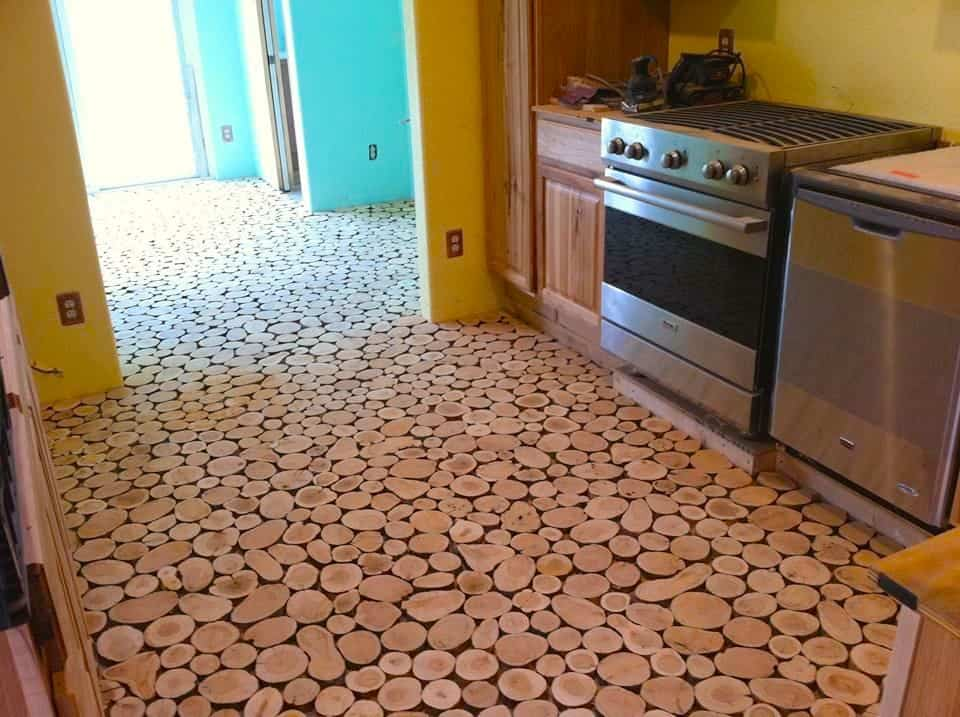 suelo con discos de madera - resultado una vez colocados