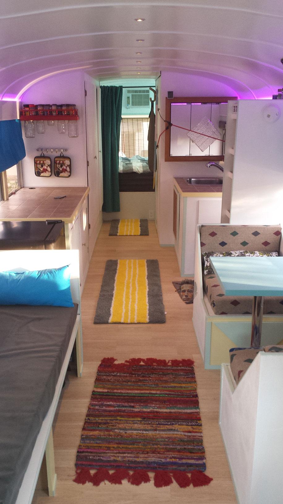 viejo autobús escolar convertido en casa - resultado final
