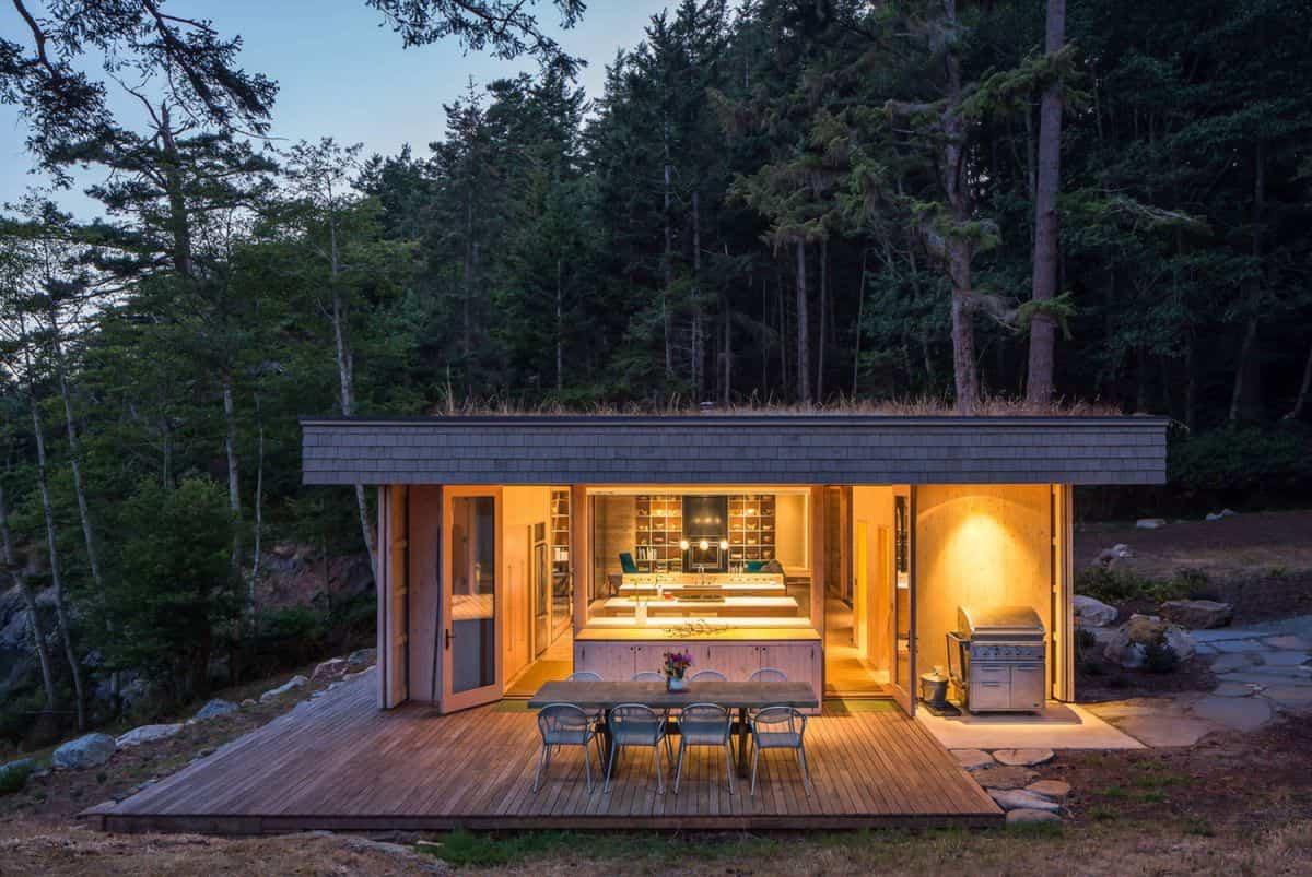 casa de campo moderna Lone Madrone que cuida la naturaleza