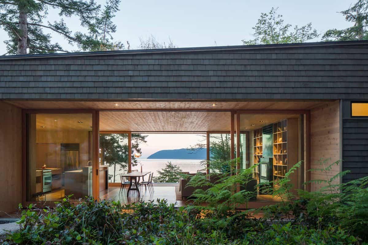 casa de campo moderna Lone Madrone con jardín en el techo