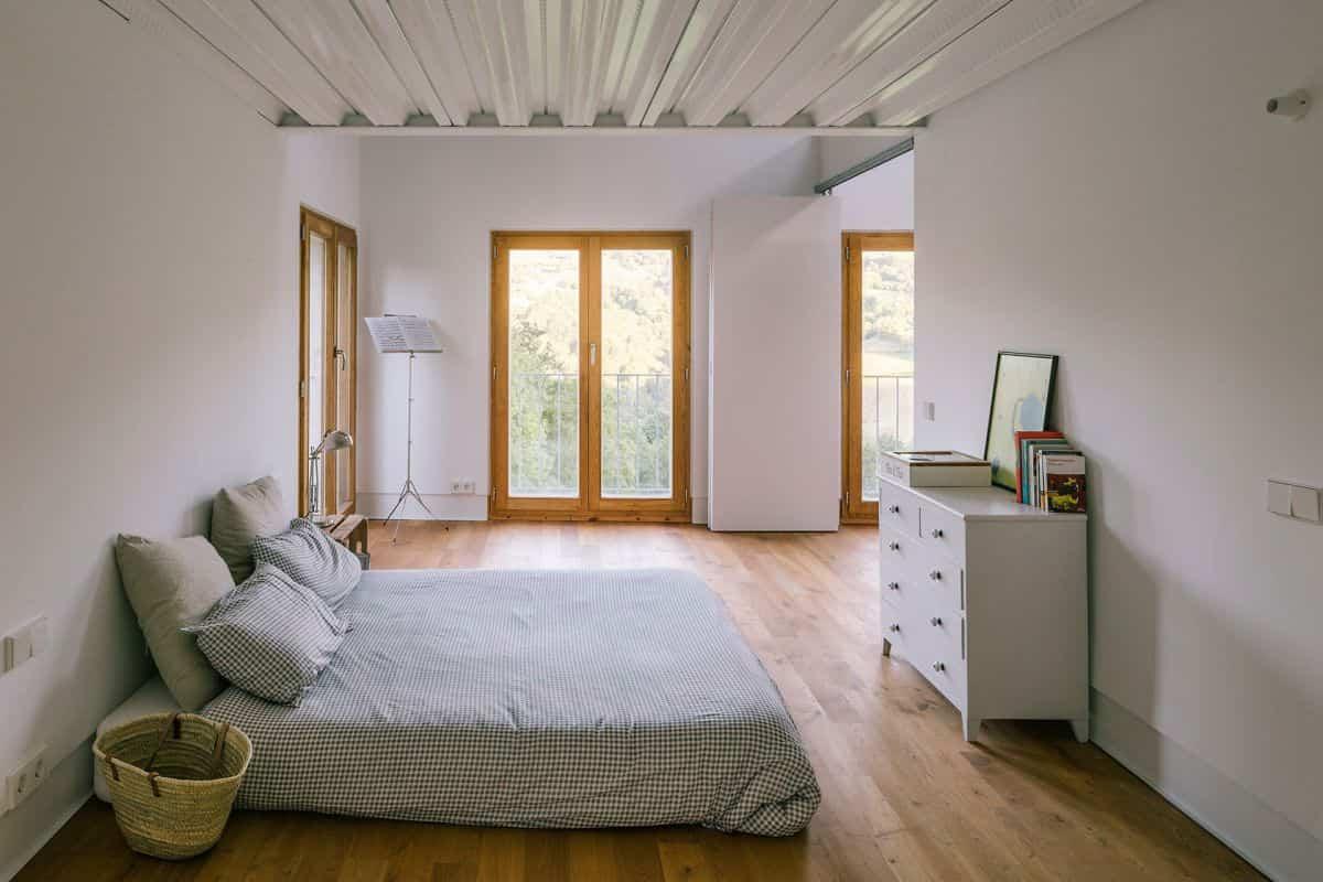 cortijo abandonado en asturias - dormitorio principal