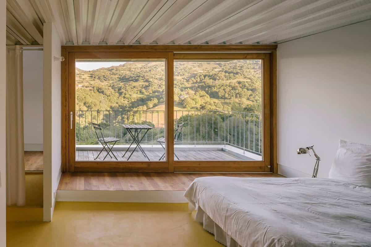 cortijo abandonado en asturias - terraza exterior