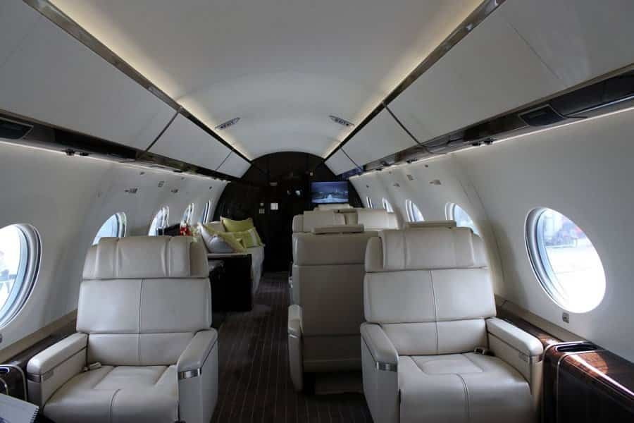 jet privado de Rupert Murdoch espacio para 8 pasajeros