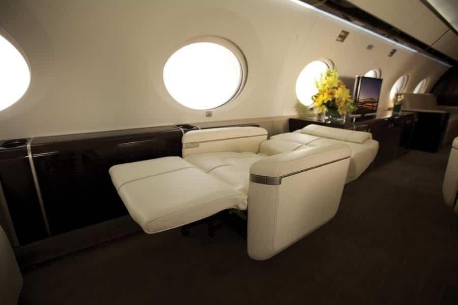 jet privado de Rupert Murdoch sillones camas