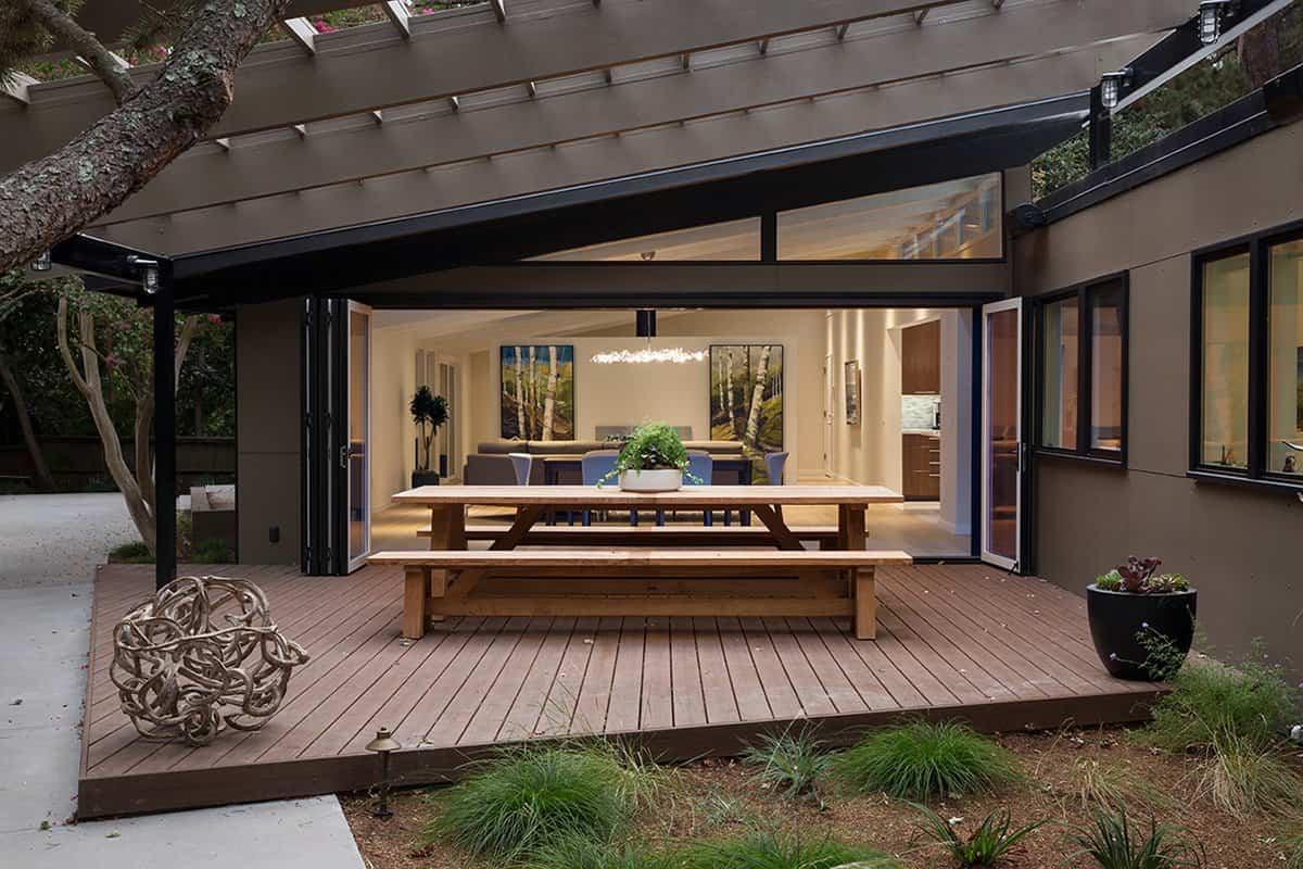 reforma de una casa de mediados de siglo - techo exterior con rejilla