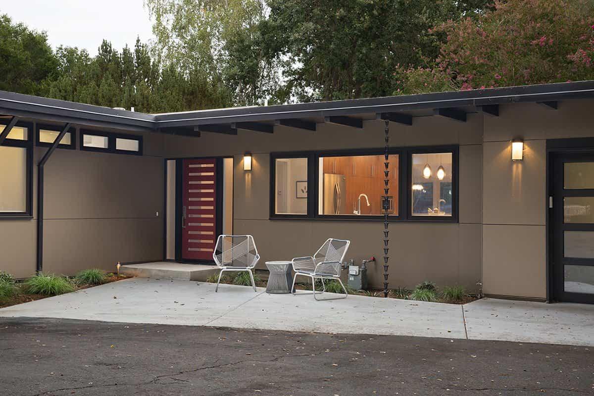 reforma de una casa de mediados de siglo - sala de estar exterior