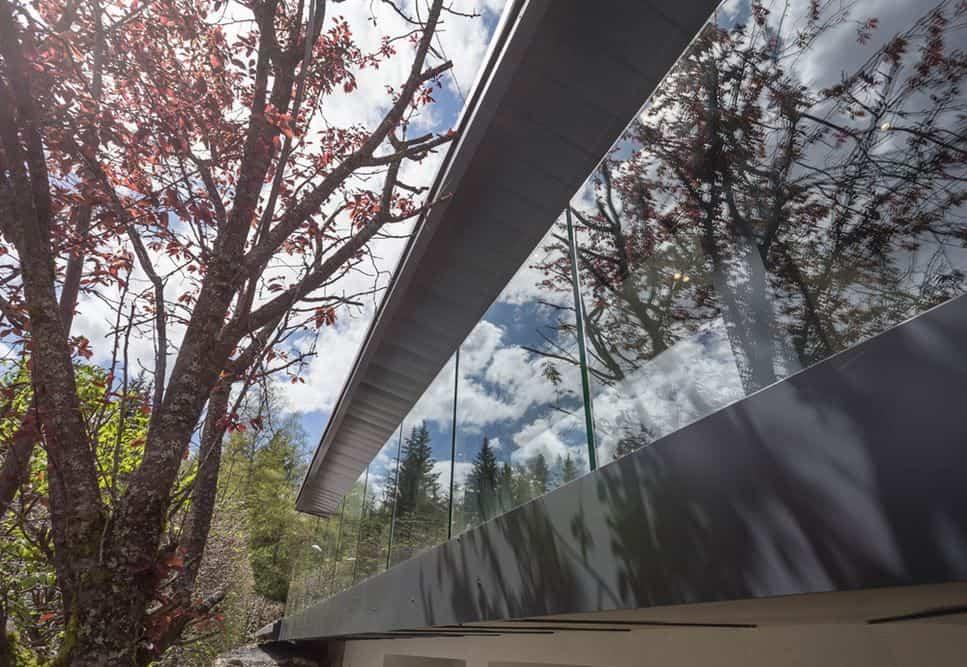 segunda vivienda chalet soleya - uso de aluminio negro