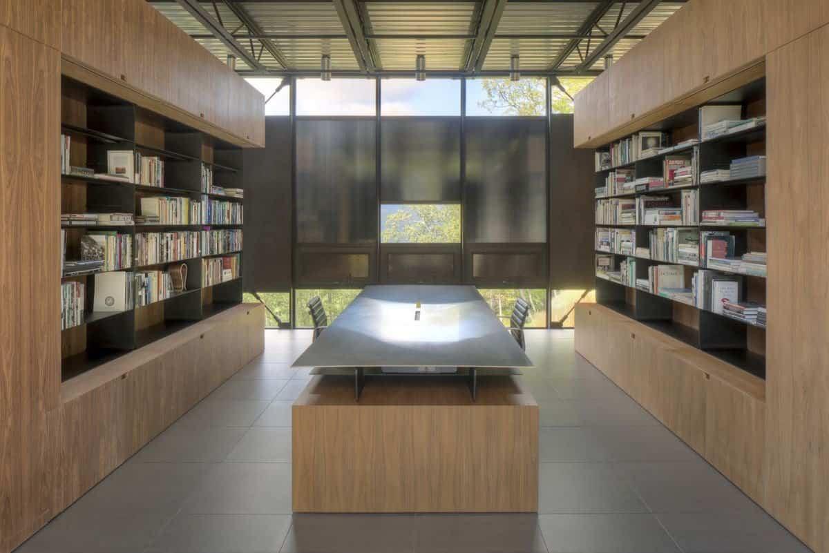 Casa Shokan con biblioteca personal