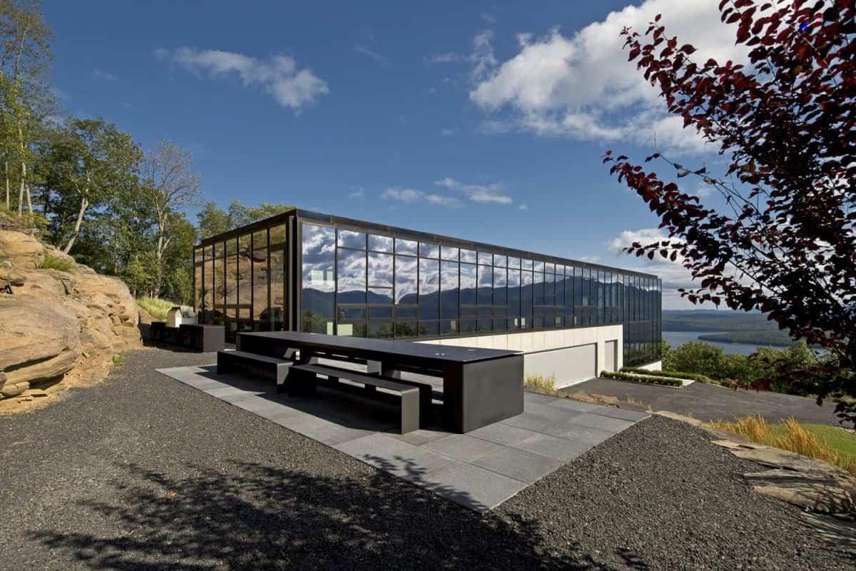 Casa Shokan cristal reflectante en su fachada