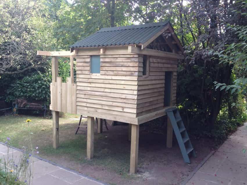 casa de juegos en el jardin 2