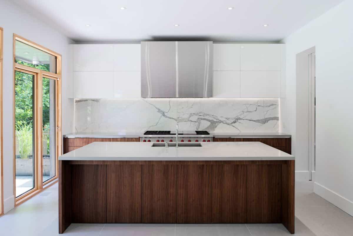 intrigante casa en Toronto - cocina de mármol