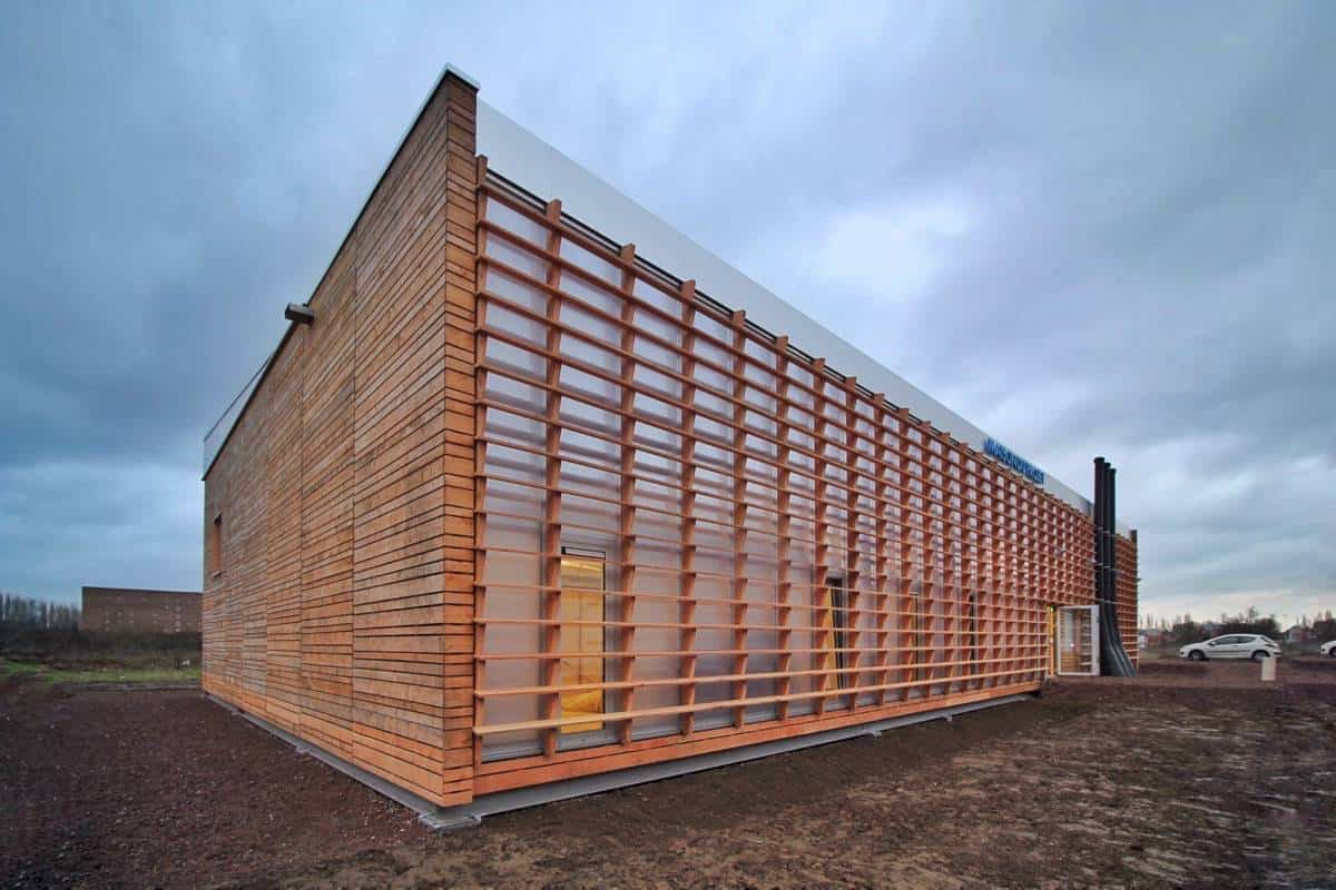 MdP: Maison du Projet de La Lainière, en Roubaix (Metropolis de Lille) realizado por Carlos Arroyo Architects y socios es el primer edificio Cradle to Cradle Insipred de Francia. Todo el edificio es desmontable, y los elementos son reutilizables o biodegradables.