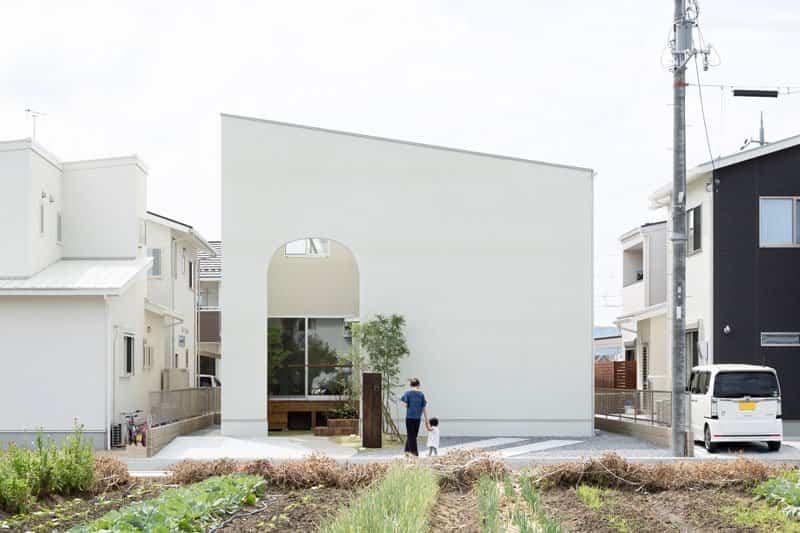 casa moderna con fachada minimalista 5