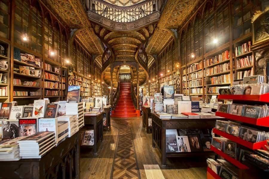 11 escaleras incre bles repartidas por todo el mundo for Escalera libreria