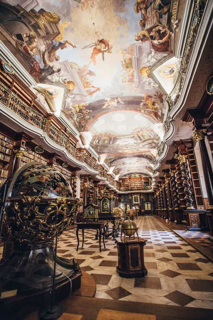 bibliotecas mas extranas del mundo 10