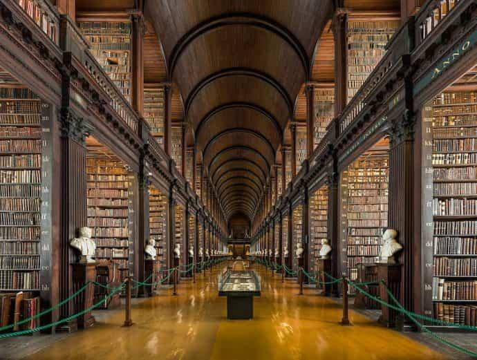 bibliotecas mas extranas del mundo 11
