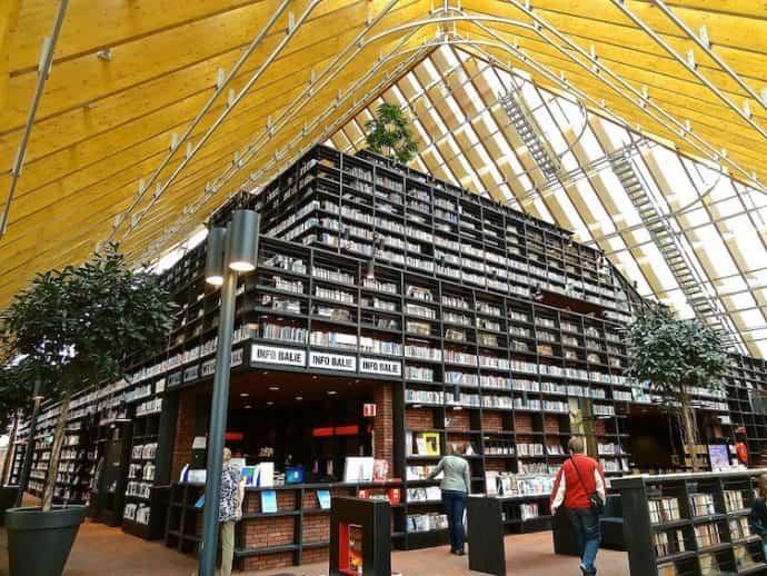 bibliotecas mas extranas del mundo 15