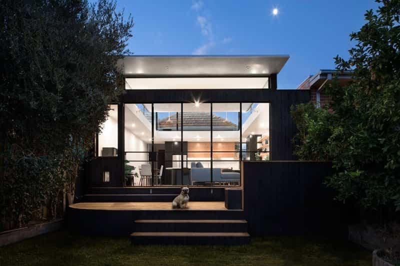 casa con techo curvo 7