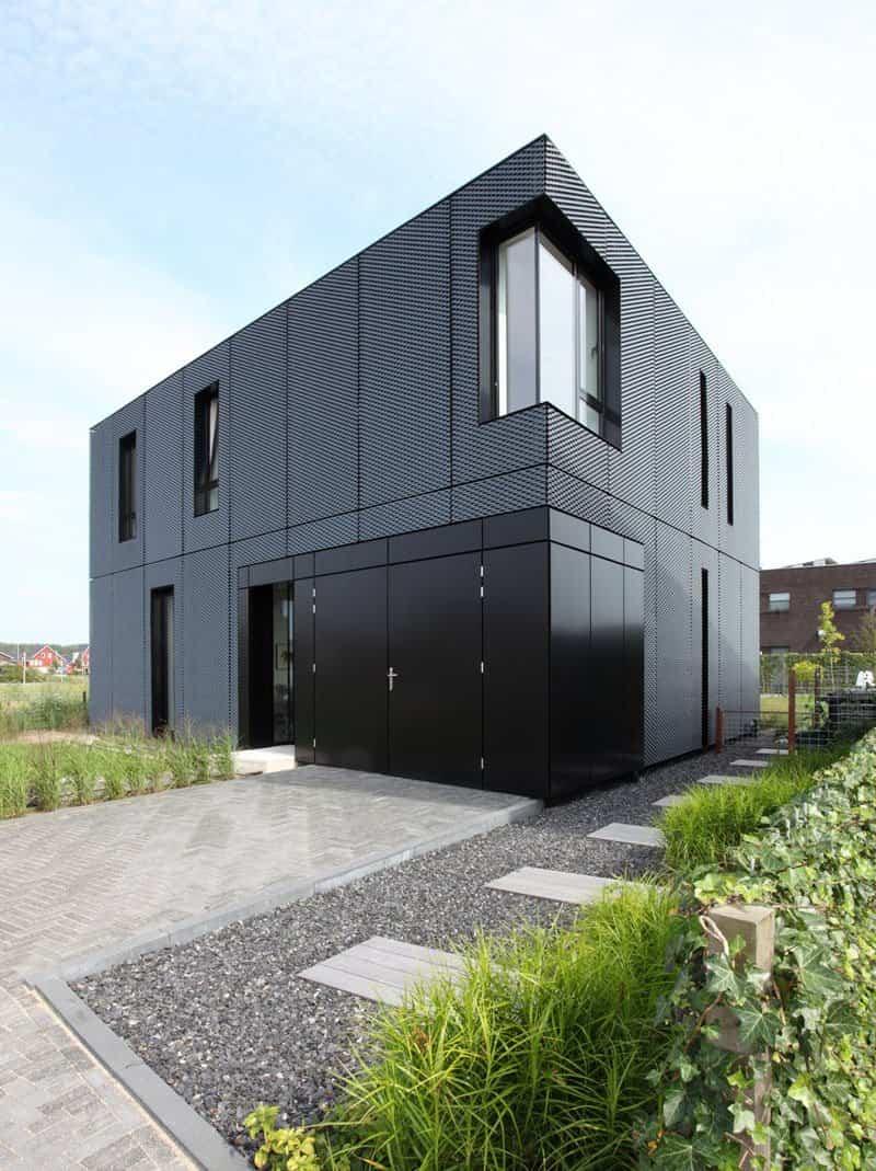 14 ejemplos de casas modernas con exteriores negros - Revestimientos exteriores para casas ...
