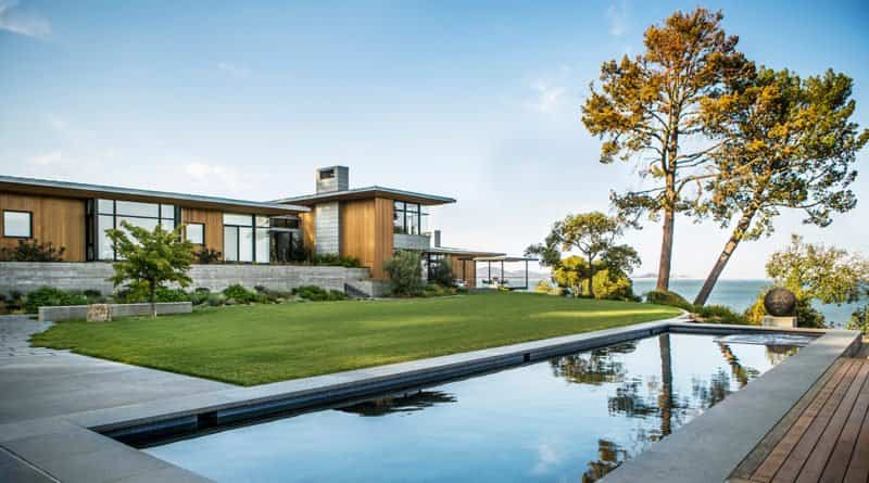 Sorpréndete con esta moderna casa construida en la Bahía Tiburón de California