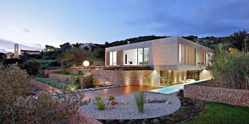 casa isla con patio ajardinado 1