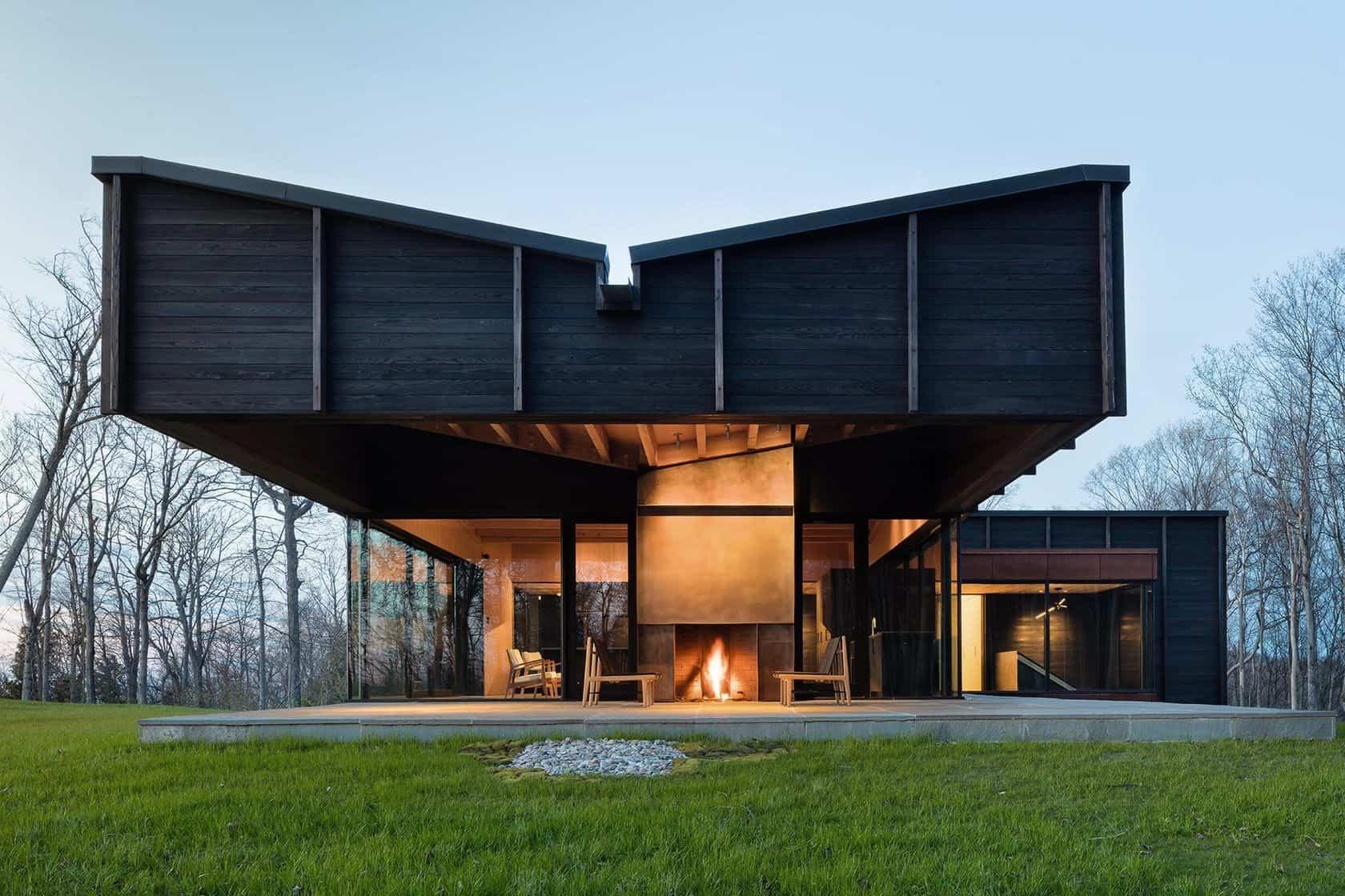 Residencia situada en el lago Michigan que tiene un techo con forma de mariposa
