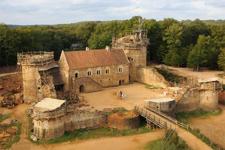 Castillo-medieval-en-francia-1