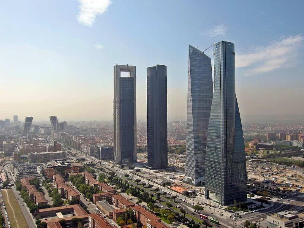 arquitectura moderna 4 cuatro torres business area