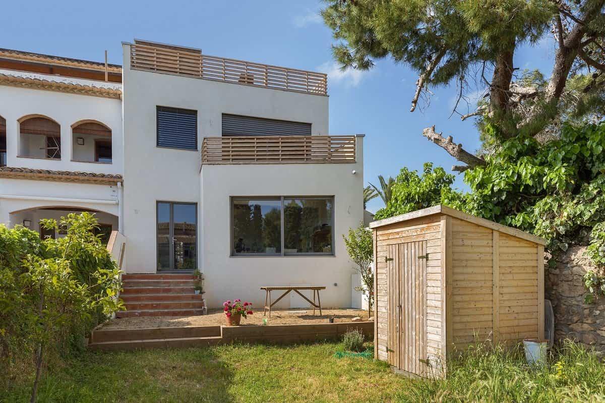 ARQUIMA diseña una casa urbana que apuesta por la sostenibilidad