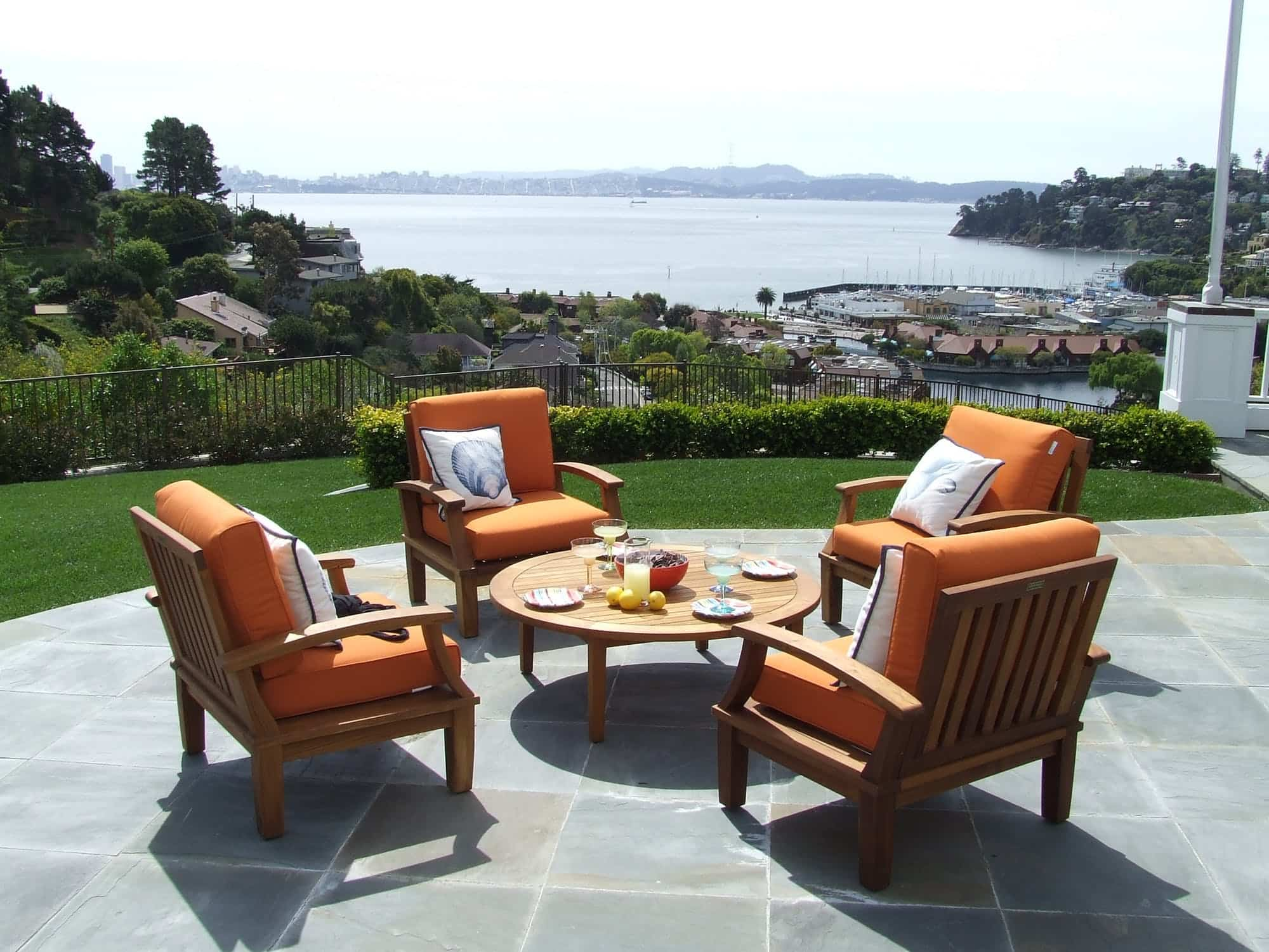 Muebles que no deben faltar para disfrutar de un jardín perfecto