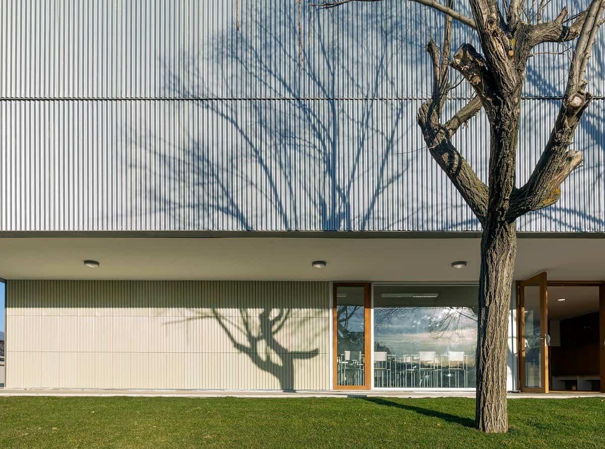 aulario b runnymede college campus rojo fernandez shaw arquitectos 3