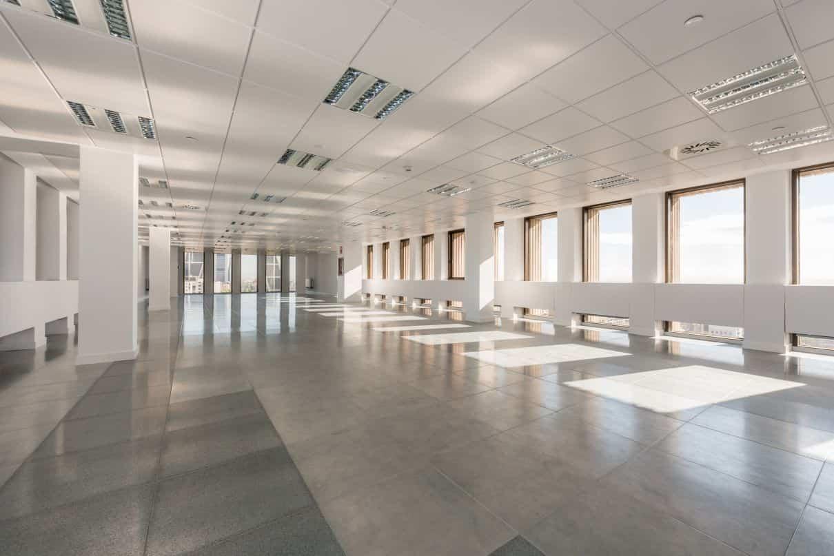 Luz natural para aumentar la productividad de los empleados del Edificio Cuzco IV