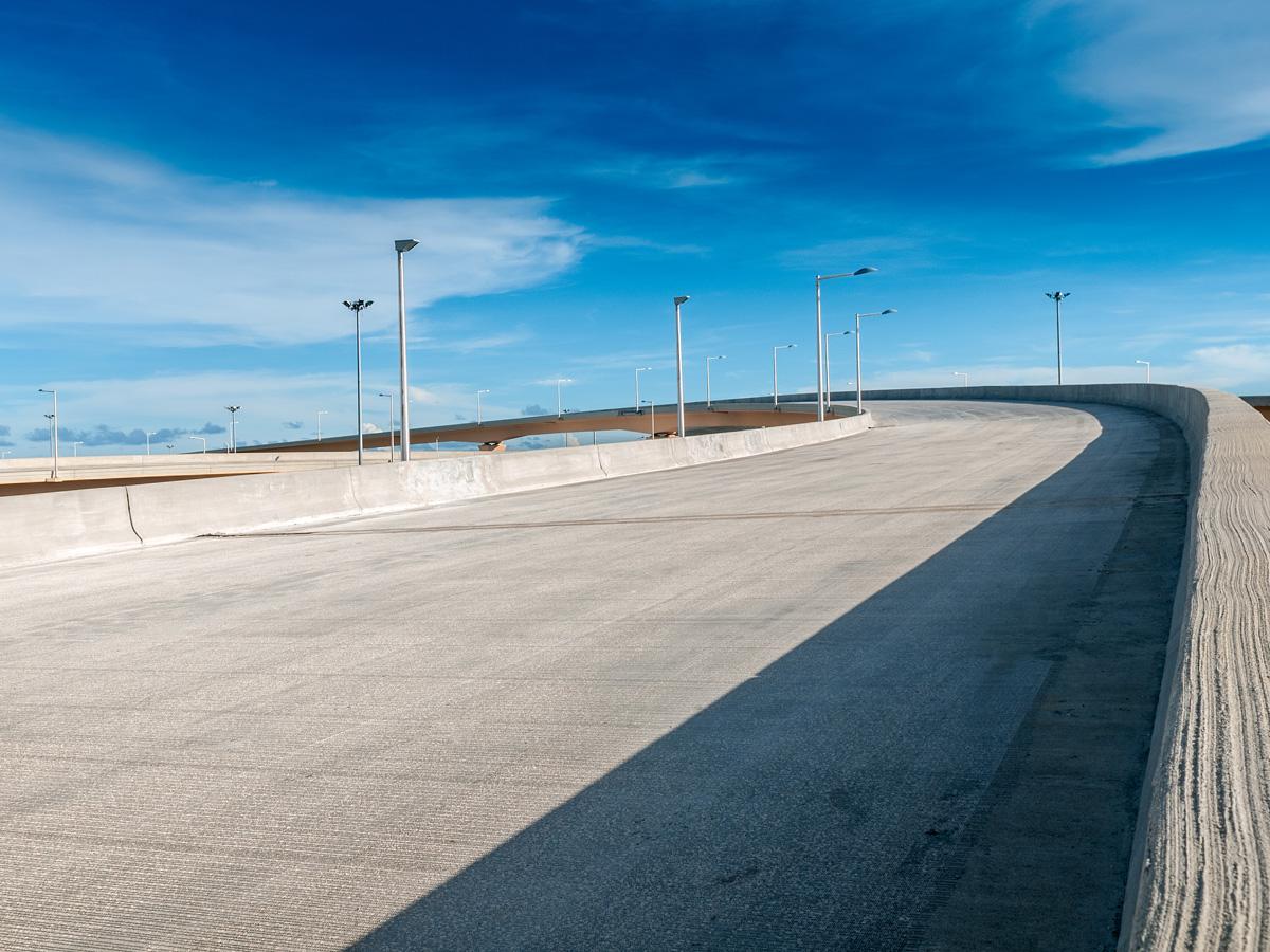 Las carreteras con firmes de hormigón son más económicas